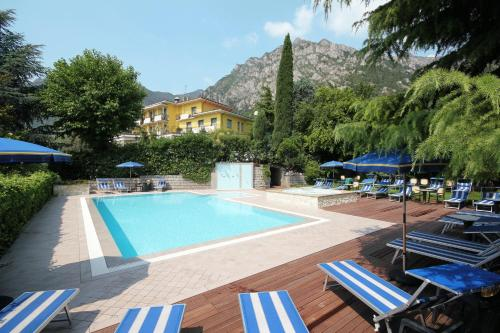 Booking - Hotel Limone